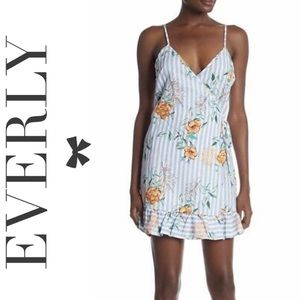 Everly Sleeveless Wrap Print Dress Floral Blue L